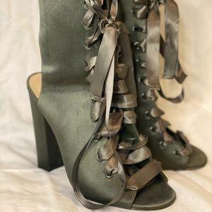 Olive green Steven madden heel